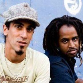 """Rapper checks out 'Apartheid' music scene with Axum in Israel -""""es una de las bandas más innovadoras en la escena del hip hop israelí"""" (Video – English with Spanishsubtitles)"""