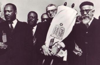 MLK  and Rabbis with Torah