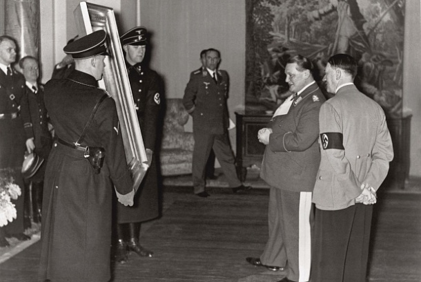 Hitler and Goring admire art.jpg