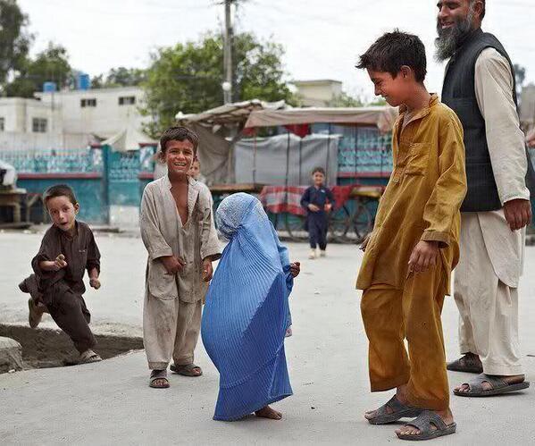 burka-tiny-girl-in-burka