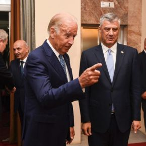 "Joe Biden: ""bomb Belgrade"" and ""blow up all the bridges on the Drina"" … ""let loose the dogs of war"" on the Serbian people [Video]"