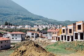 Bosnia - arabs buy up sarajevo